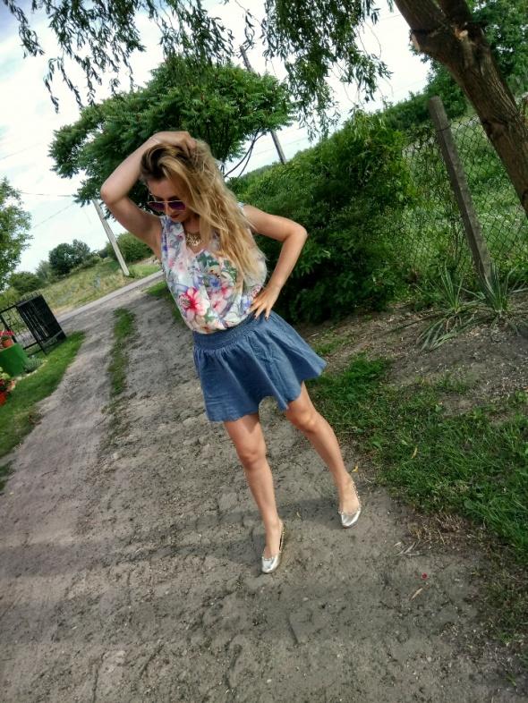 Blogerek Kwiaty o jeans