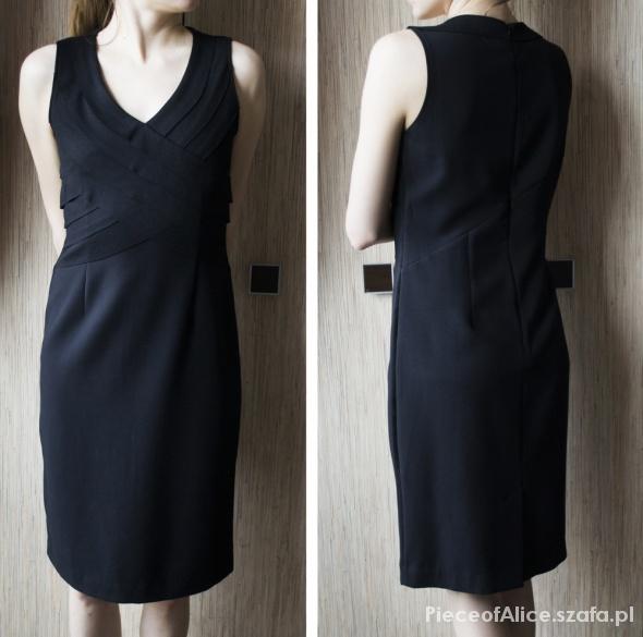 Suknie i sukienki Elegancka sukienka Reserved 36