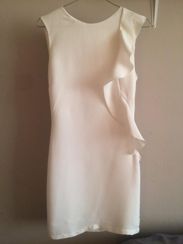dea8dfc786 Elegancka biała sukienka Mango XS w Suknie i sukienki - Szafa.pl