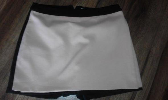Spódnice Spódnico spodenki xs