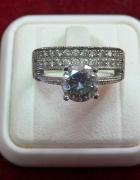 Śliczny pierścionek z cyrkoniami 925