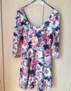 rozkloszowana sukienka kwiatki...