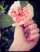 Paznokcie róże