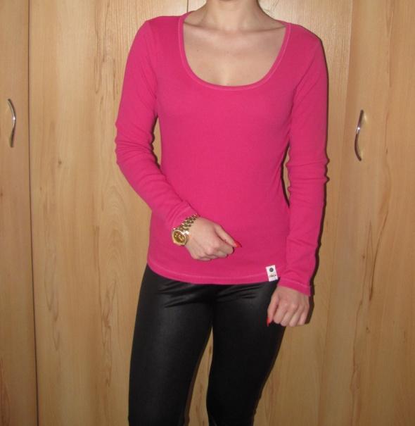 Bluzki różowa prążkowana bluzka only dekolt
