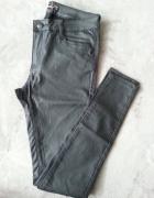 Czarne spodnie imitacja skóry bardzo elastyczne...