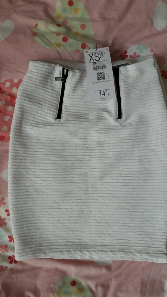Spódnice Biała mini prazkowa bershka