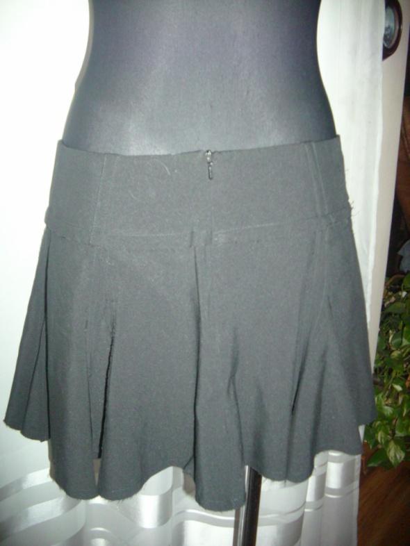 Spódnice spódniczka kloszowana czarna S na M