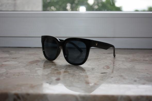 Okulary przeciwsłoneczne czarne nowe