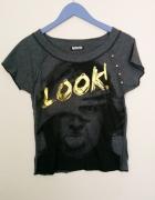 Szara koszulka z nadrukiem Look