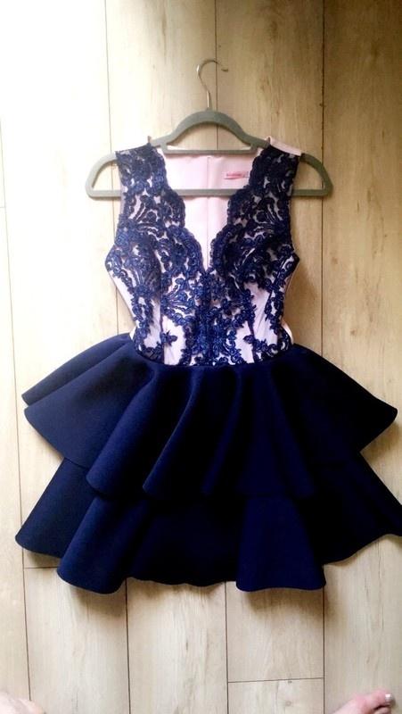 Sukienka pianka koronka rozkloszowana...