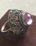 Imago Artis pierścionek z fioletowym kamieniem