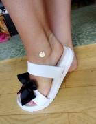 Srebrna bransoletka na nogę celebrytka 925