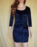 Sukienka welurowa czarna z koronką 34 XS Amisu...