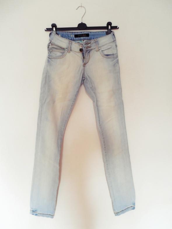 Spodnie Rurki jasny dżins spodnie proste nogawki przeciera
