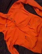 pomarańczowy sweterek cudeńko
