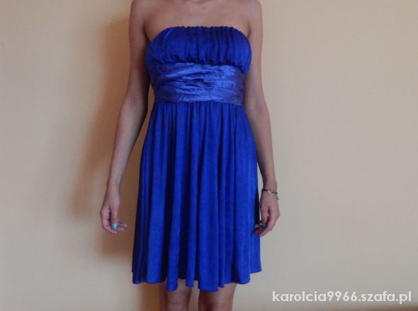 zwiewna sukienka kobaltowa