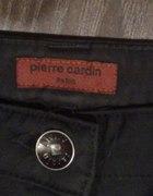 czarne eleganckie spodnie pierre cardin