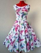 Sukienka w kolorowy wzór...
