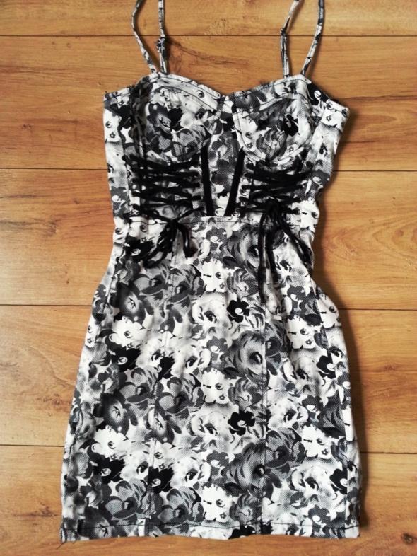 Seksowna sukienka w róże z gorsetem 34 32 Okay...