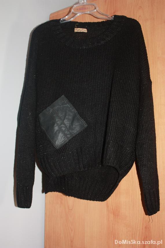 Czarny sweter OVERSIZE...