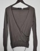 Brązowy sweter vneck...