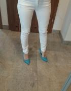 Białe spodnie rurki stradivarius 34