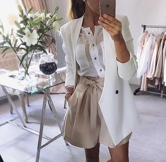 Eleganckie Beż i biel