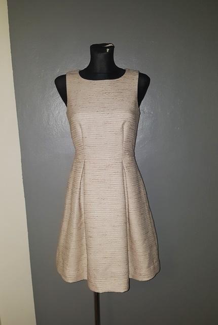 Suknie i sukienki Lindex sukienka 34 XS beżowa złota nitka zip