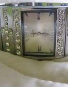 śliczny srebrny zegarek