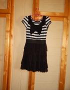 sukienka w paski z falbankami