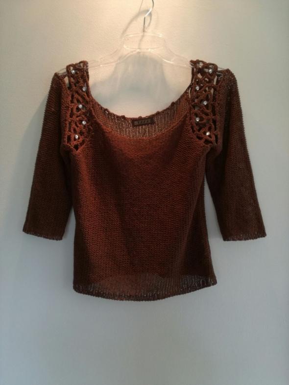 Czekoladowy ażurowy sweterek S kryształki