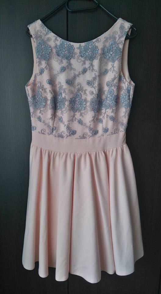 Śliczna Sukienka z tiulem rozmiar 40