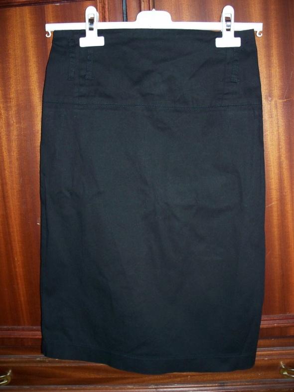 Spódnice ATMOSPHERE Spódnica za kolano S 36 czarna bawełna