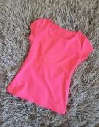 Różowa elegancka bluzka z krótkim rękawem neon