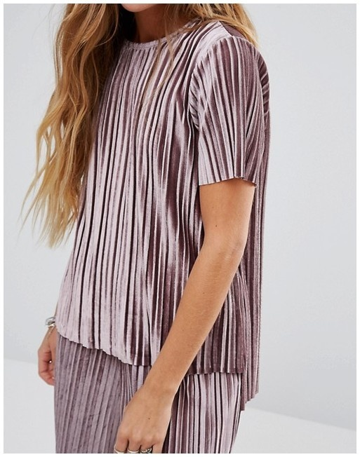 Bluzki aksamitna plisowana bluzka GLAMOROUS
