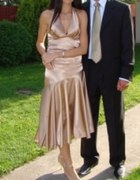 Złota satynowa sukienka