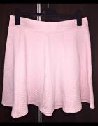 Słodka różowa pikowana spódniczka z H&M