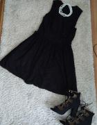 Koronkowa sukienka Morgan...