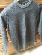 Ciemno szary sweter Zara