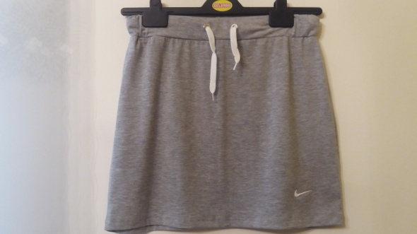 Spódnice Nike