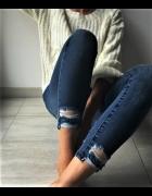 Jeansowe Spodnie Rurki Poszarpane nogawki