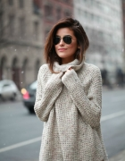 Sweter beżowy oversize