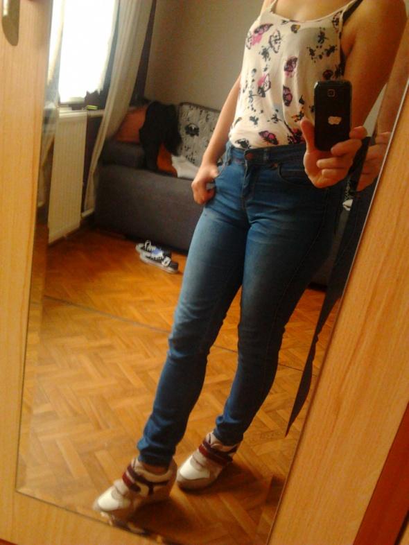 Spodnie jeansy rurki dżinsowe przecierane klasyczn
