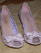 Liliowe buciki