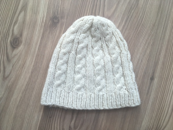 Ciepła czapka z domieszką wełny