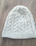 Ciepła czapka z domieszką wełny...