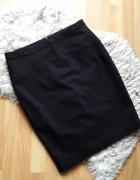 Czarna ołówkowa spódnica Mohito...