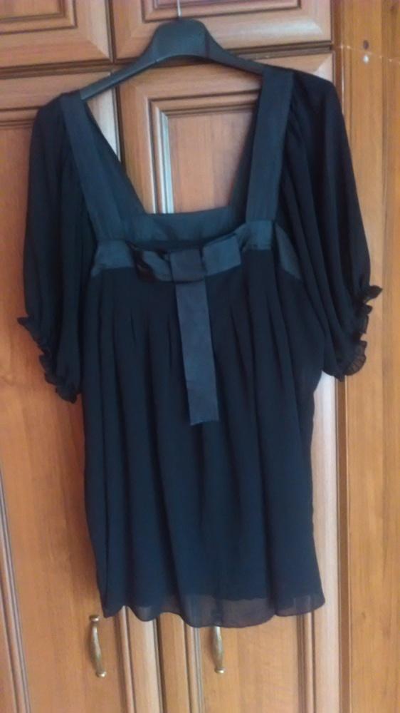 piękna delikatna zwiewna czarna bluzeczka...