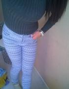 zestaw ubran jeansy plus sweter