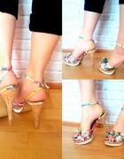 Kwiatowe szpilki sandałki